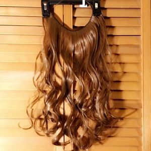 "BRAND NEW HALO LIGHT BROWN 50g/22"" LONG CURLY"